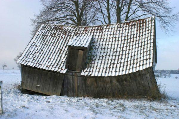 Grange-effondree-paysage-neige