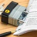 La signature définitive de l'acte authentique de vente chez le notaire