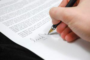 La signature du compromis de vente chez le notaire